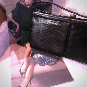 Handbags - ♥️VINTAGE BLACK LIZARD LEATHER HANDBAG GOLD DETAIL